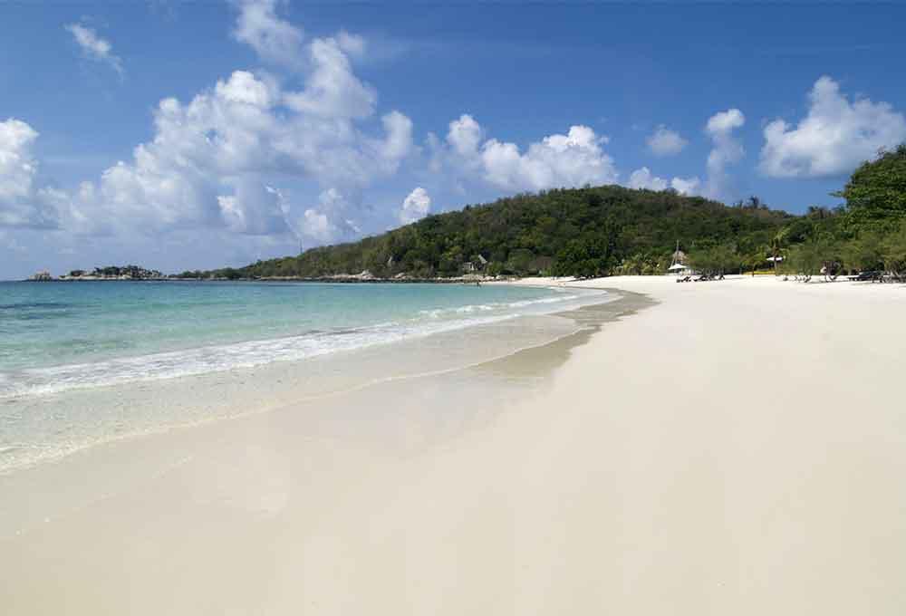 เที่ยวเกาะเสม็ดแวะถ่ายภาพวิวสวยของทะเล